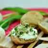 Schnelle Quarkbrötchen mit frischen Sprossen