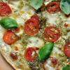 [Veggie] Caprese Flammkuchen mit Pesto
