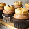 Grandiose Schoko-Banane Cupcakes inkl. Minidonut-Topping