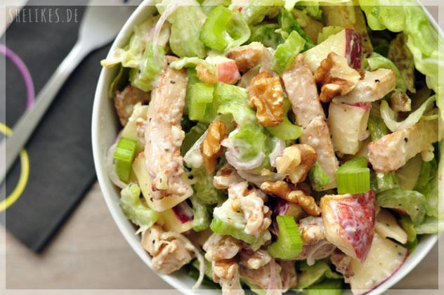 Waldorf-Salat mit Hähnchenbrust