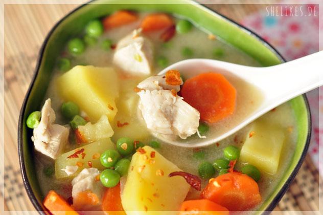Hähnchen Kokos Suppe
