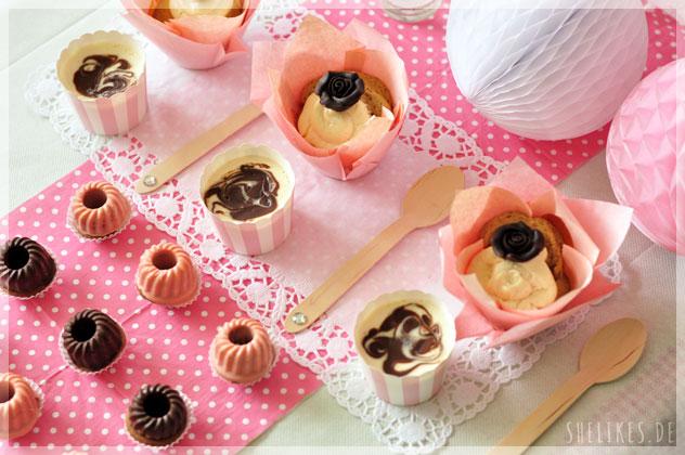 Mini Sweet Table mit Mini Choco Cheese Cakes, Espressomuffins mit Frischkäsehaube & Schoko-Mandel Gugl