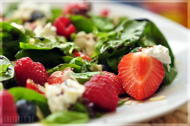 Healthy Summer Berry Salad & Winner