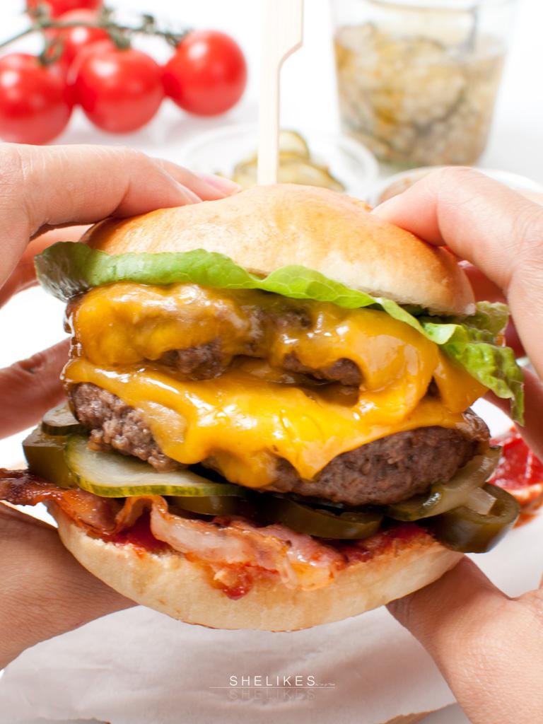Double Bacon Cheese-Burger